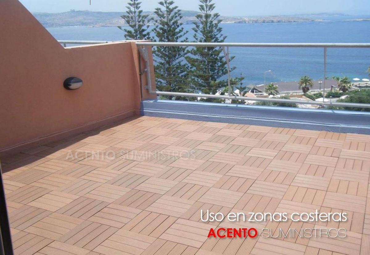 piso deck tableta en madera sintética uso en zonas costeras y salinas