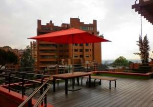 Piso Deck listón en terraza WPC Acento SAS