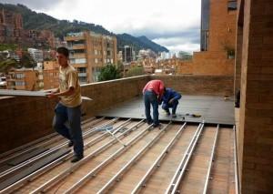 piso deck listón wpc sintetico sobre aluminio
