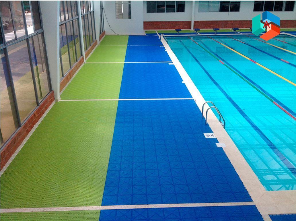 Piso Easydeck Aqua para piscinas y zonas húmedas